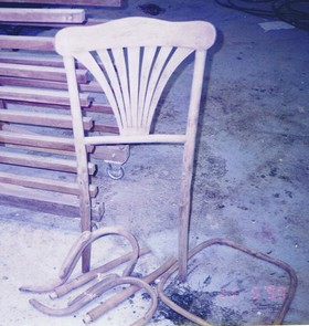 chair restoration brocken antique chair